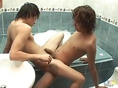 latin-twinks-mario-and-leandro-bareback